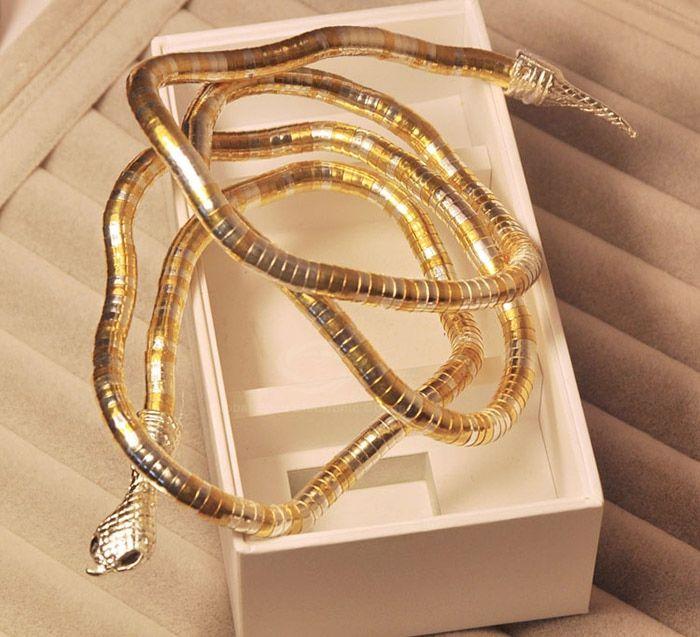 Preciosa pulsera de serpiente articulable y ajustable. $5.990 + gastos de envío. Envios a todo Chile vía Chilexpress.