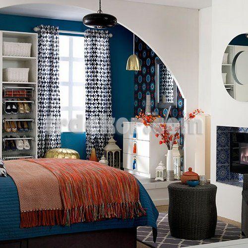 Mavi yatak odası dekorasyon fikirleri duvar rengi mobilya uyumu perde aksesuar olarak mavi seçimi renklerle uyumu