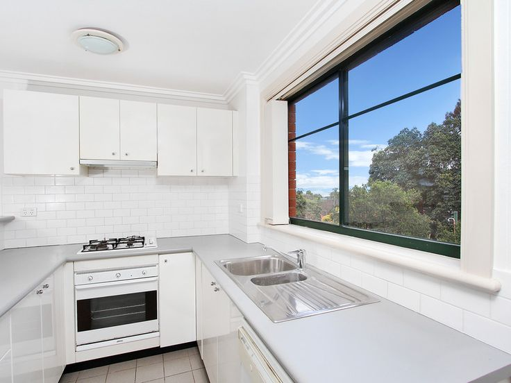 http://www.infinityproperty.com.au/buying/NSW/North-Shore-Lower/Wollstonecraft/Apartment/1P1645