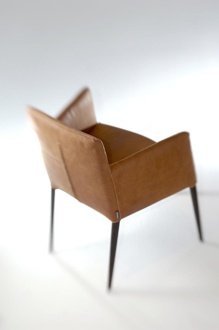 Label | design by Gerard van den Berg: chair Tiba with wooden legs