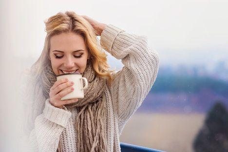 Když začnete myslet pozitivně, uvídíte spoustu věcí najednou tak nějak růžověji; Halfpoint, shutterstock.com