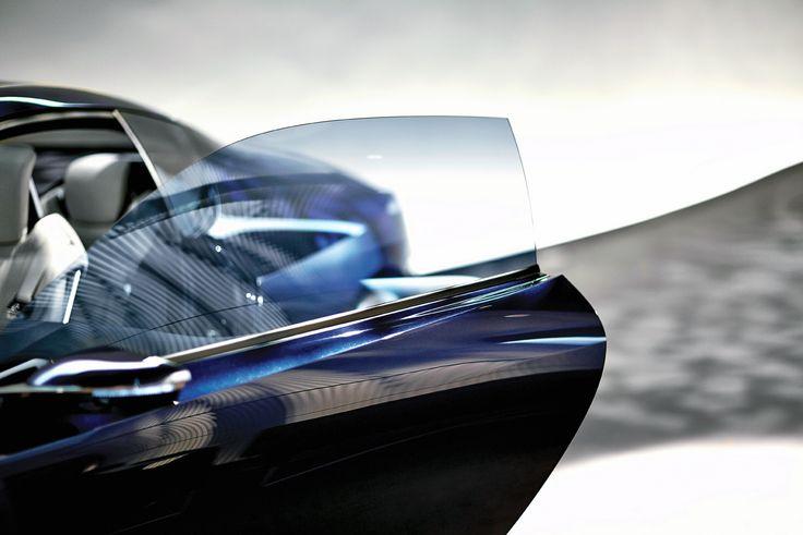 영감을 이끄는 디자인의 감성, 보는 이를 사로잡는 압도적인 매력으로 가득한 LF-LC는 드라이빙 퍼포먼스와 연비 효율 모두를 만족시키며 프리미엄 스포츠 쿠페가 가야 할 비전을 제시한다.   Lexus i-Magazine 다운로드 ▶ www.lexus.co.kr/magazine #Lexus #Magazine #LFLC #hybrid