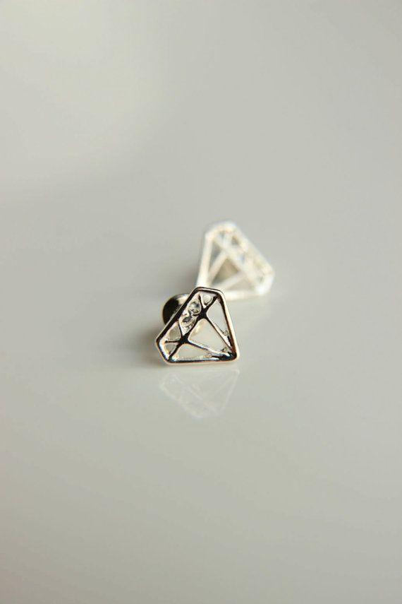 Minimalist Stud Earrings: Diamond shaped stud by HirasuGaleri