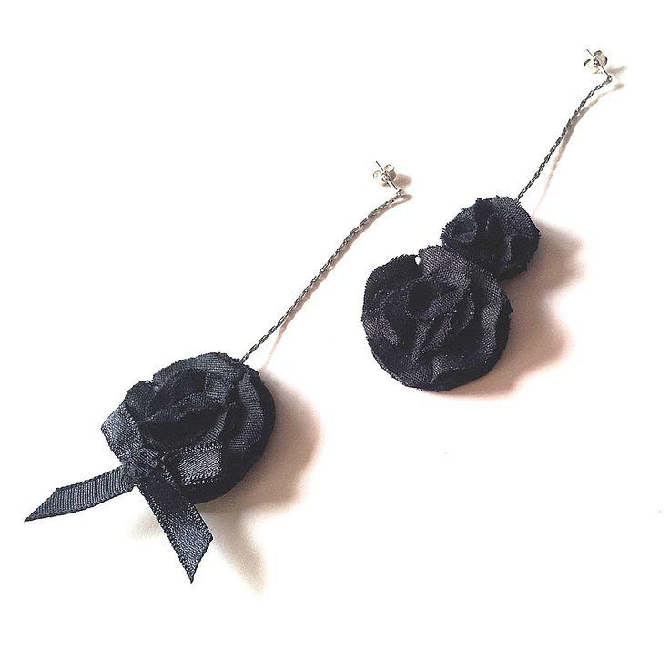 BissBiss   #bissbiss #shopbissbiss #fabricflowers #flowers #handmade #handmadewithlove #ooak #accessories #ecofashion #sustainable   #black #earrings #statementearrings #jewelry