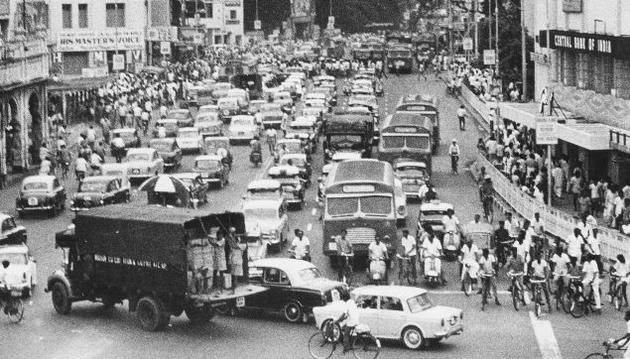 Traffic jam at the junction of Mount Road and Blacker's Road.