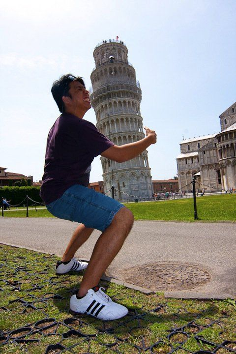 How to have a picture with the leaning tower of pisa: d