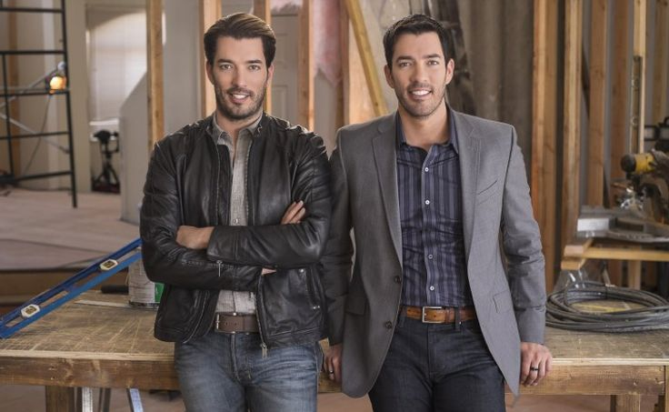 Are you liking these new looks from @mrdrewscott and me?