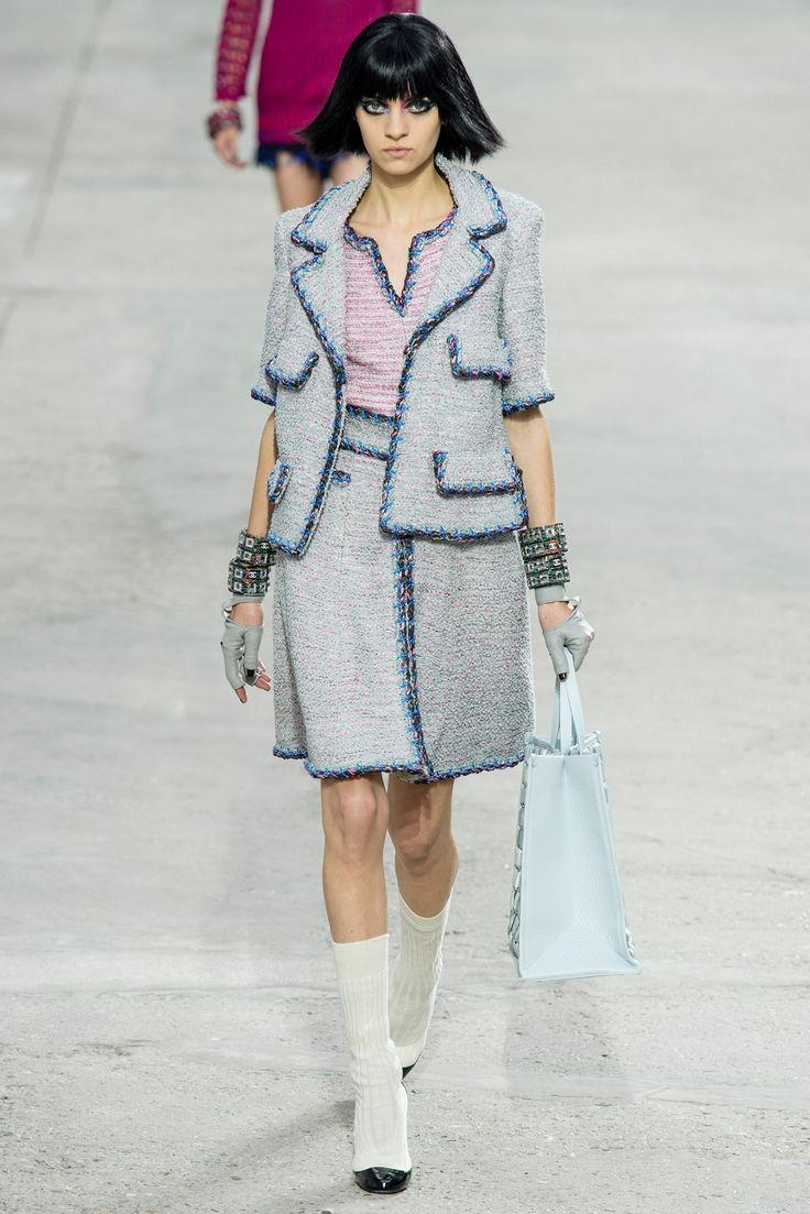 Chanel Spring 2014 Ready-to-Wear Fashion Show - Magda Laguinge