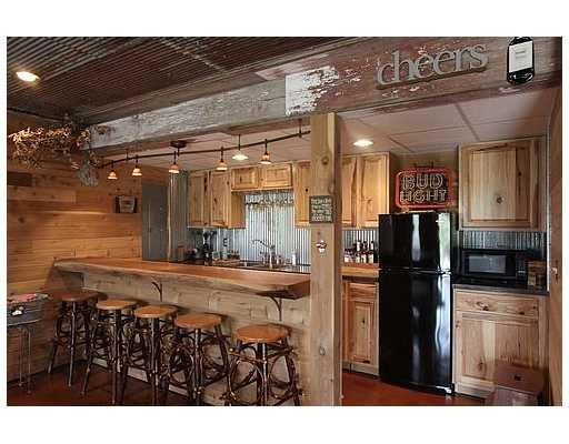Absolutely love this! Good idea for the man cave or basement