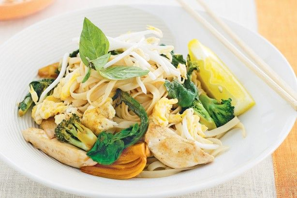 Cooked with bright crunchy greens, these noodles are a classic street food in Thailand. Lemon and sweet soy create a tasty sauce for wok-tossed low-fat pad see ew..