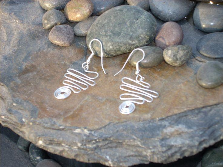 How To Make Jewelry: Handmade Wire Jewelry