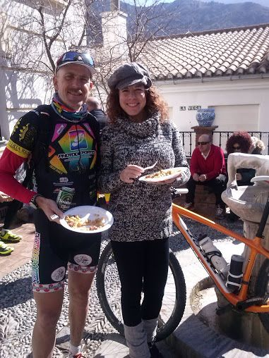 tato ha participado hoy en la primera prueba del circuito provincial de mtb. Y después de correr a comer migas!!!