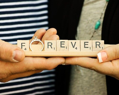 I am so doing this in our engagement photos!