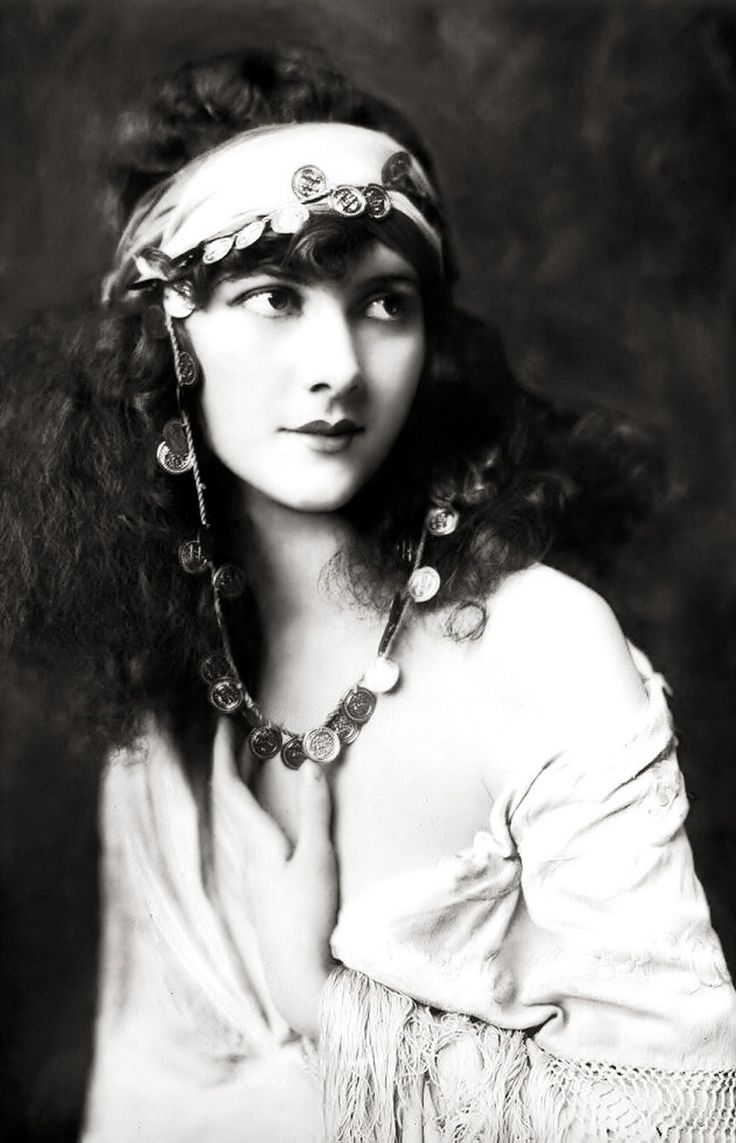 Marjorie Leet Ela se apresentou no Ziegfeld Follies de 1923 – 1925 e 1927.   – Vintage Photos