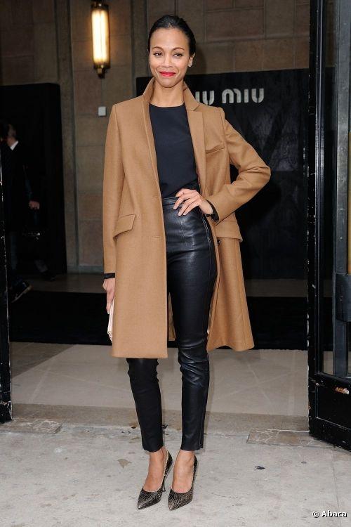Zoe Saldana redoublait de style pour assister au défilé Miu Miu à Paris, le 6 mars 2013.