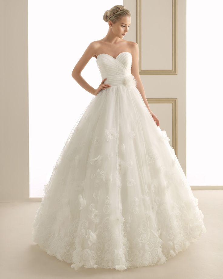 145 EPSILON | Wedding Dresses | 2014 Collection | Luna Novias
