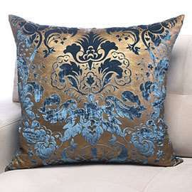 Vintage crushed velvet throw pillow for a romantic bedroom. Can't you imagine…
