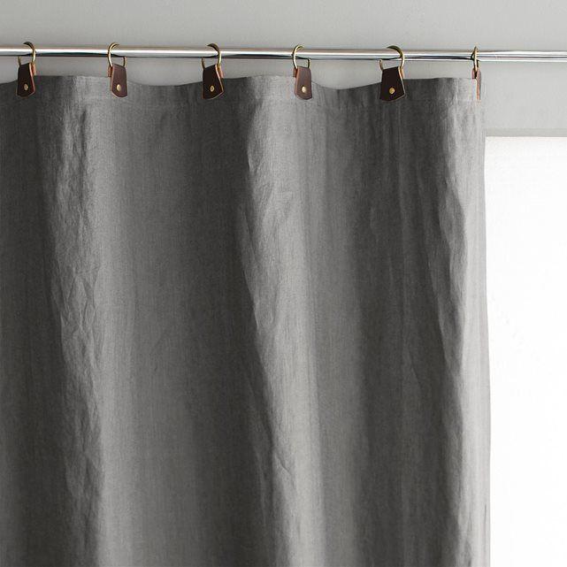 Le rideau en lin Private. Simple, naturel, chic, ce rideau en pur lin lavé s'adoucit et prend un subtil aspect froissé très recherché. Le lin lavé.   Mélange unique d'authenticité et de naturel, le lin filtre la lumière avec élégance.Composition : - Pur lin lavé- Passants en cuir avec anneaux en métal vieilli. - Doublure coton ton sur ton. Finition : - Bas ourlé, prêt-à-poser. Entretien : Lavable à 40°.Tailles à commander : Largeur 140 x Hauteur 180 cmLargeur 140 x Hauteur 220 cmLargeur…