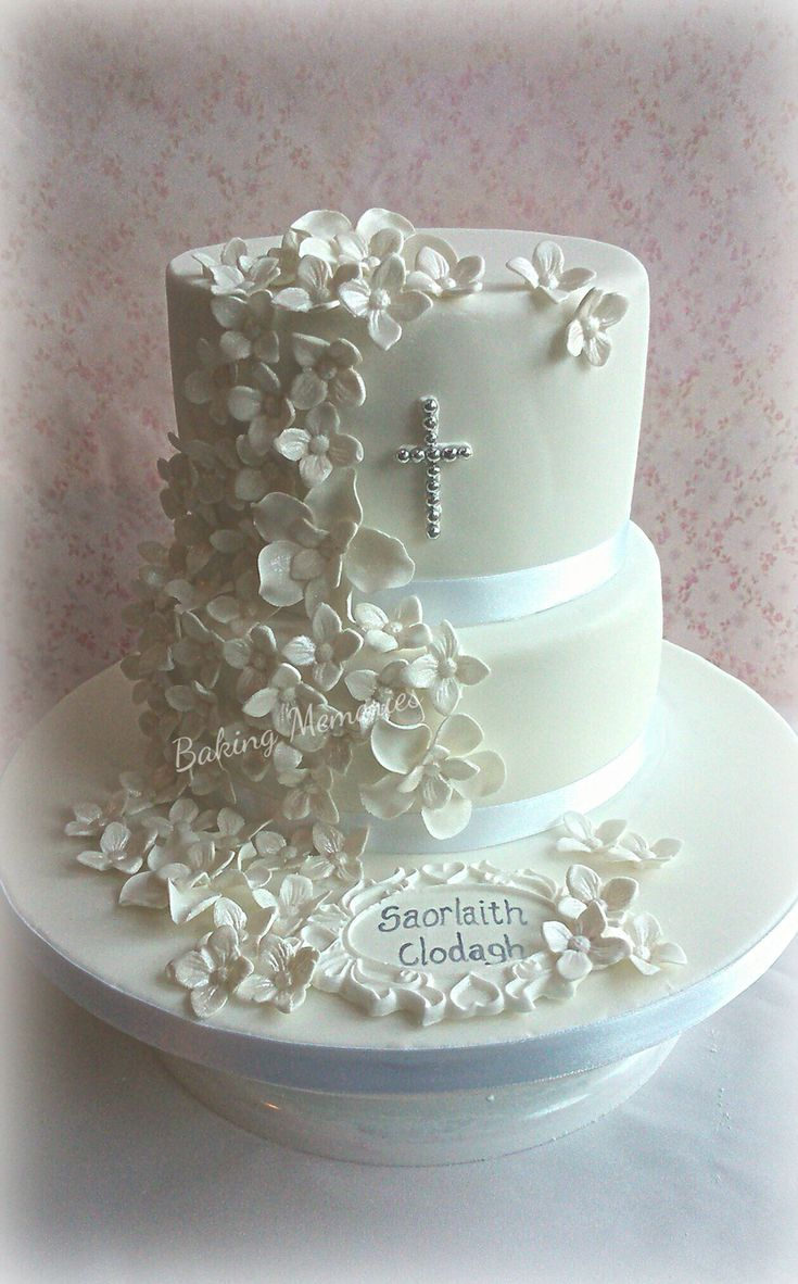 Best 25 Communion Cakes Ideas On Pinterest Holy