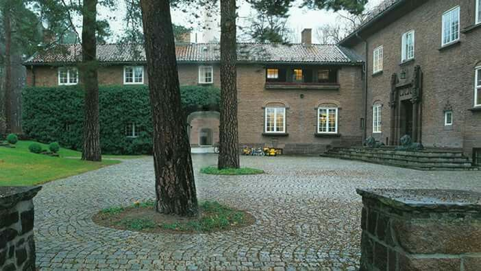 Villa Munkebakken (Store G), Fornebuveien 60, 1366 Lysaker, Norway