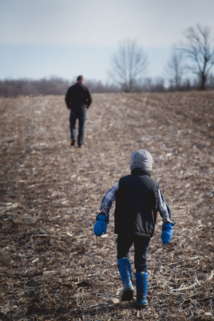 Father Son | Meaford | Photographer | Child | Footsteps | Family | Country | Rural | Love | Fall | Spring | Farm