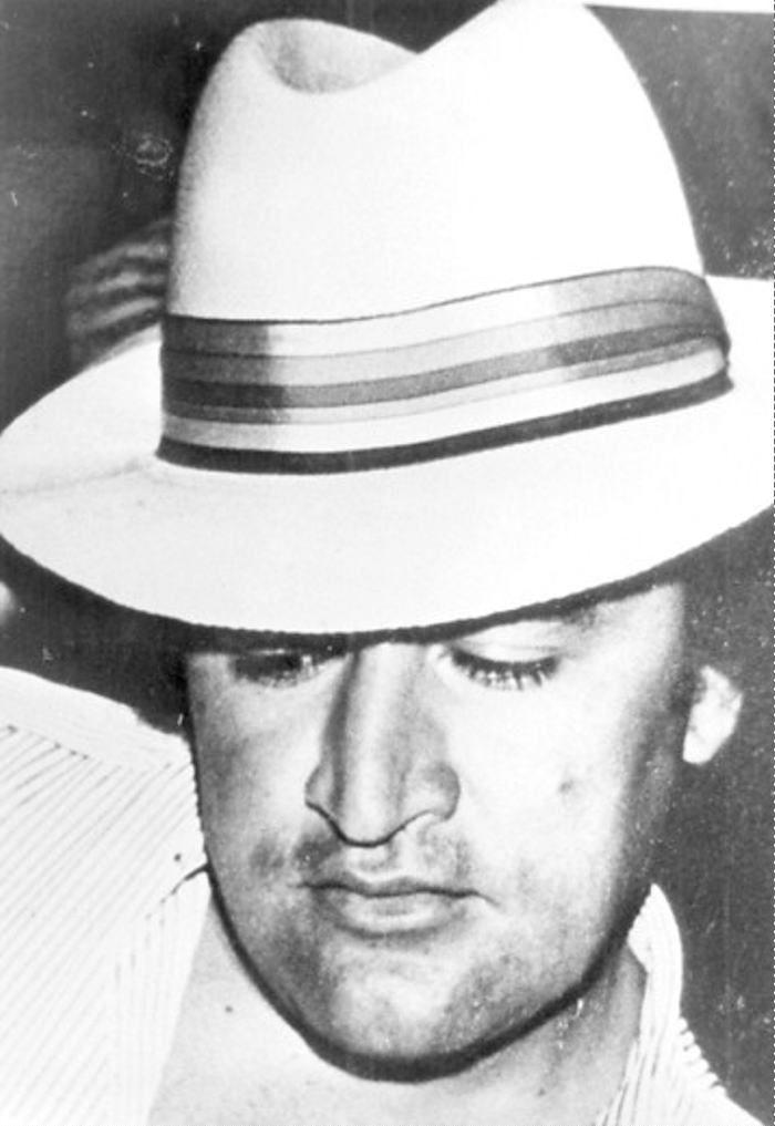 José Gonzalo Rodríguez Gacha, alias El Mexicano, fue un narcotraficante colombiano perteneciente al Cartel de Medellín.