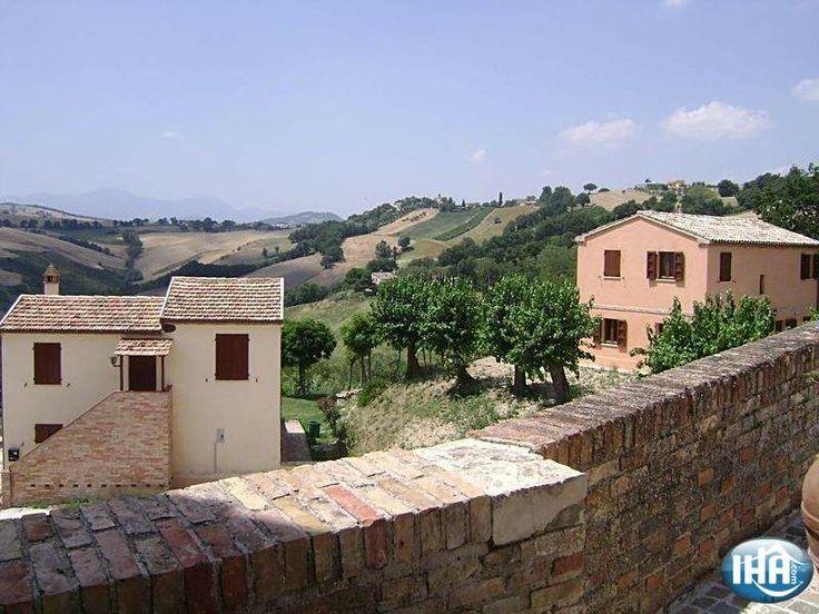 Villa Quaranta  Loretello Luxe vakantiewoning  provincie Ancona Marken Italië