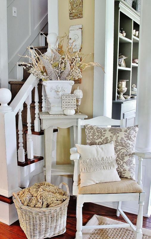 Easy Fall Decorating at Thistlewood Farm.....from the side of the road :)Wall Colors, Decor Ideas, Stairs, Fall Decor, Thistlewood Farms, Chairs, Front Hallways, Diy Wall Art, House