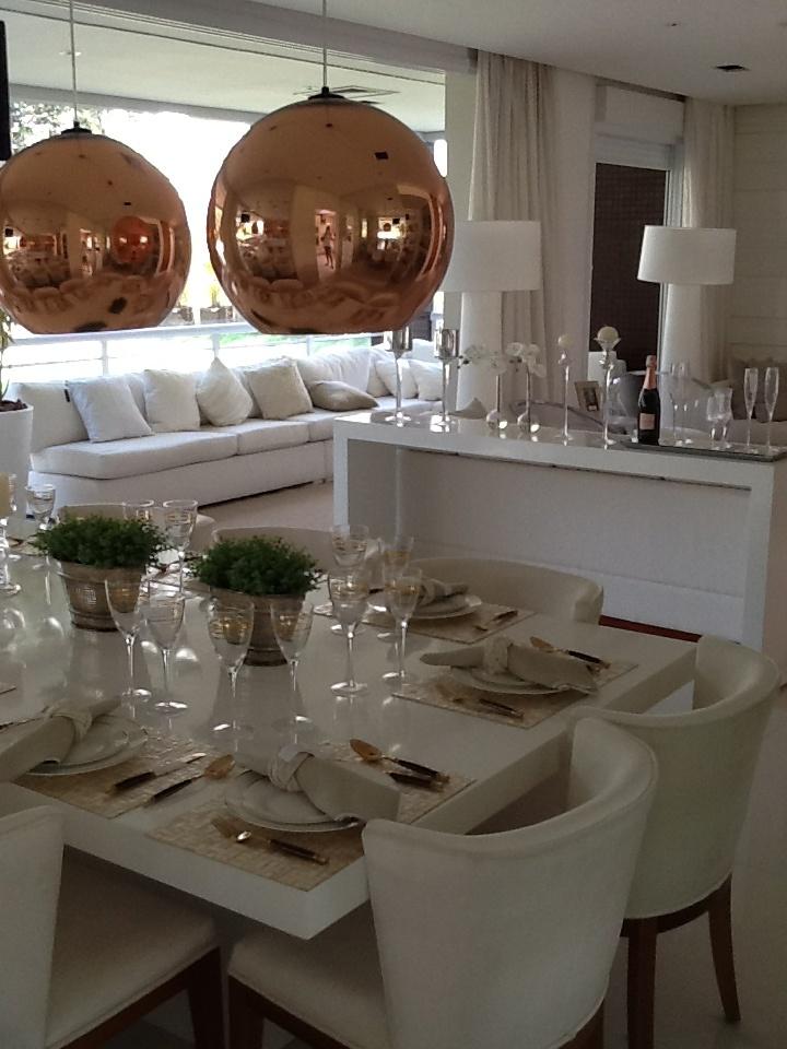 Clean and beautiful living room - Apartamento decorado por Patrícia Anastassiadis para OR - Edifício Park One, SP