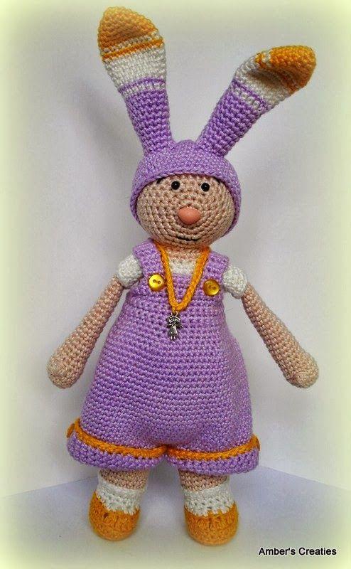 Amber the Easter Girl. Pattern in magazine 'Inhaken op de lente' (Dutch)