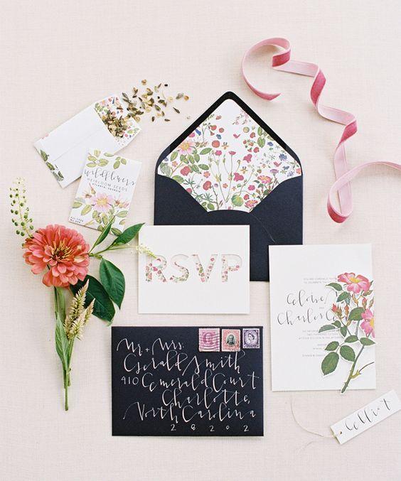 お花いっぱいで当日が楽しみになりそう♪♪ ネイビーの結婚式招待状のまとめ。センスがいい招待状一覧。