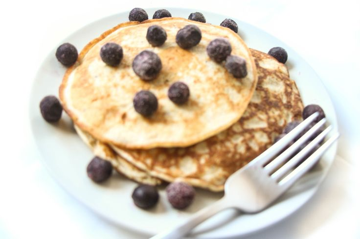 four ingredient pancake (overnight oats)