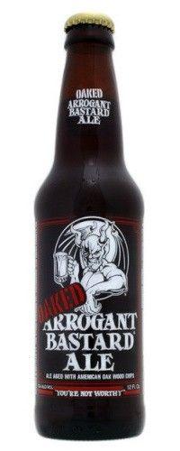 Cerveja Stone Oaked Arrogant Bastard Ale, estilo Wood Aged Beer, produzida por Stone Brewing Co., Estados Unidos. 7.2% ABV de álcool.
