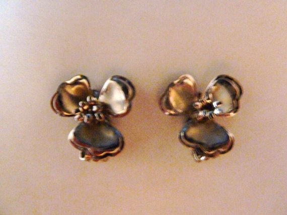 Vintage silver dogwood flower clip earrings 1950s 1960s costume jewelry Spring Summer on Etsy, $7.60