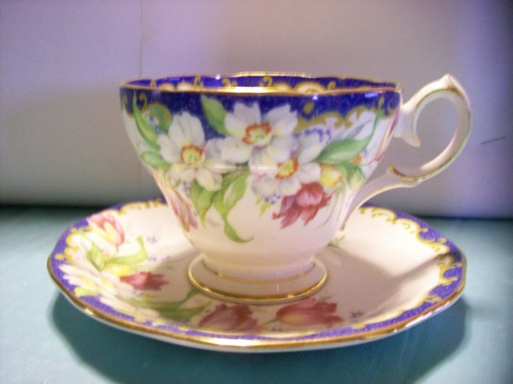 Queen Anne Narcissus Tea Cup and Saucer Set