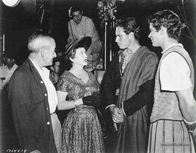 Ben-Hur - Behind the scenes photo of Bette Davis, Charlton Heston, William Wyler & Stephen Boyd