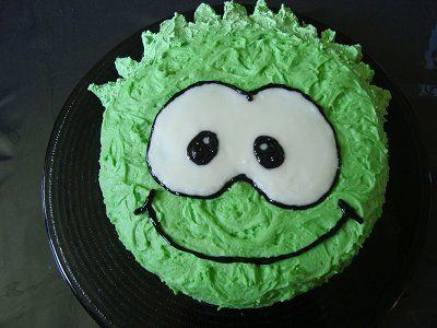 I know a little boy who would explode if i made this puffle cake for him.