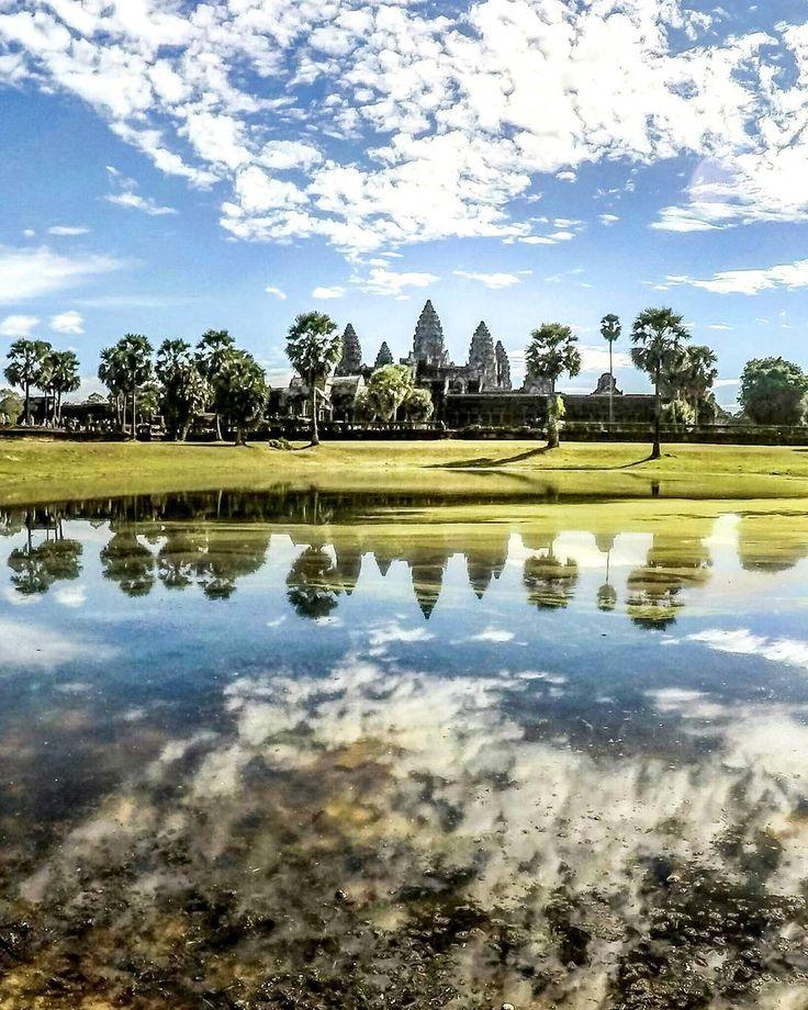 Angkor Wat é o expoente máximo de um grande império que dominou o sudeste asiático por mais de 400 anos.  Tinham conhecimentos avançados de engenharia, arquitetura, hidrologia, artes, enfim, uma cultura que ainda está viva nas ruínas do maior templo religioso do mundo. Saiba mais clicando no post.