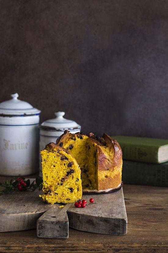 Pumpkin panettone/ Panettone de calabaza, con chips de chocolate y fudge de caramelo. Receta de Navidad