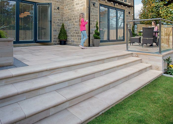 Image Result For Patio Steps Down To Lawn Patio Steps Patio | Patio With Steps To Garden | Sl*P* | Pinterest | Lighting | Balustrade | Contemporary