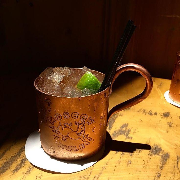 Enfin !!! Je rêvais de ce cocktail au #lodgepark après la trop jolie photo de @jacuzzibubbles  #moscowmule