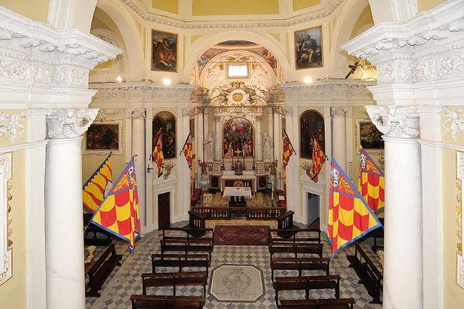 inside the church of Contrada della Chiocciola