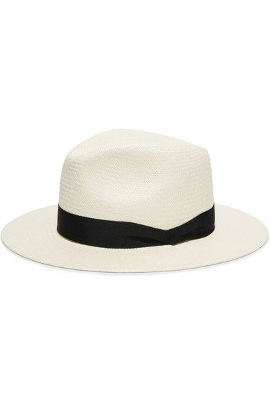 A timeless fedora for your summer style