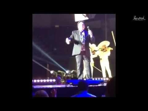 Video: Así fue la última actuación de Juan Gabriel ante su público - RT