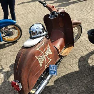 #SimsonfreundeBOR #Tuning #Instamoto #S51 #S50 #SR50 #S53 #50ccm #Simson #Star #Duo #Habicht #KR51 / 1 #KR51 / 2 #Simis #DDR #Ratte #Treffen #Ausfahrt #Ostbike #Bike #Neuaufbau #Schwalbe #KR50 #Paint #Lackierung #53look #Lackarbeiten #SR4-2 #Tour #Sound