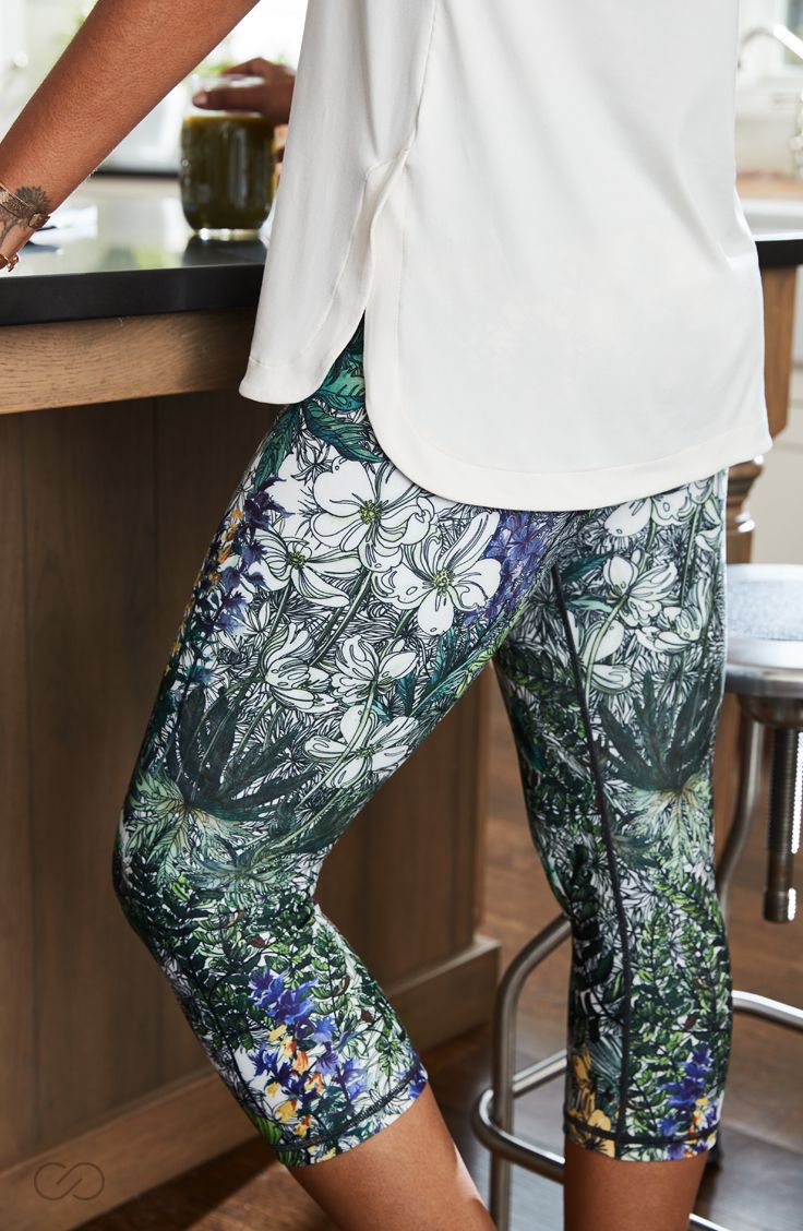 https://www.caliastudio.com/p/calia-by-carrie-underwood-womens-limited-edition-fleuria-essential-tight-fit-printed-capris-17ca2wssntltghtftapb/17ca2wssntltghtftapb