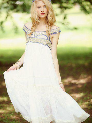.: Wedding Dressses, Linda Vojtova, Editing Summer, Dresses Fashion, Limited Editing, Bohemian Wedding, White Summer Dresses, Free People, Hippie Wedding Dresses