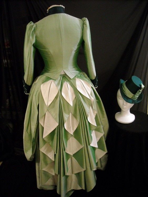 waterfall triple bustle, love the pepperminty colour.