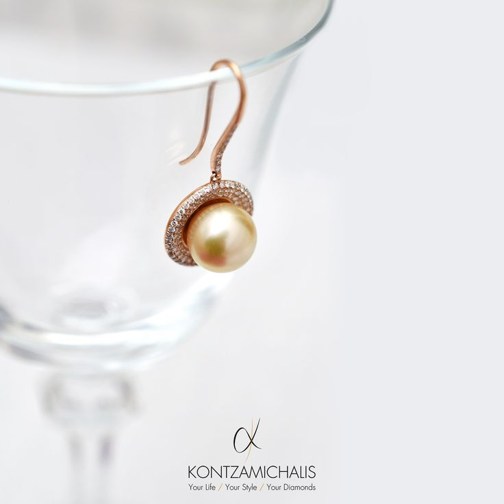 Every woman loves diamonds and adores perls; that's why we combined both in this classy earring. #KontzamichalisJewellery