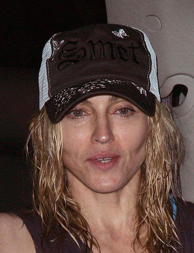 A la sortie du gymnase, Madonna fait un peu peur quant même...
